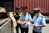 the tay ninh customs department actively anti smuggling in the year end