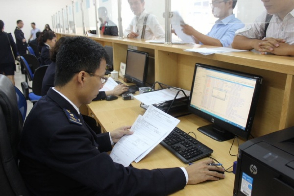the hanoi customs department implementing several solutions of state budget collection at the beginning of the year