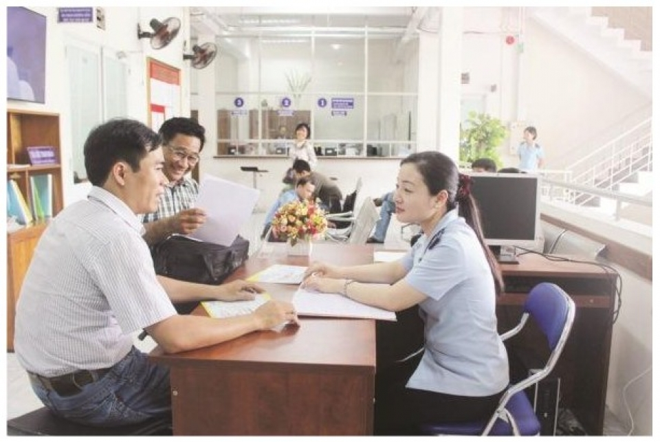 develop a policy on customs procedures create trust for businesses