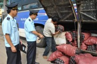 preventing contraband sugar at quang tri border