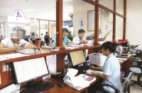 customs brokers crowed but not strong