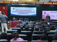 vietnam customs holds a press conference to introduce apec in 2017