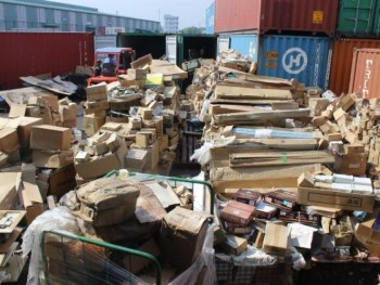 many prohibited goods in container backlog at cat lai port