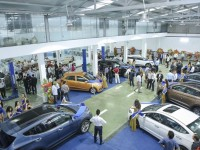 automobile market positive but not smooth