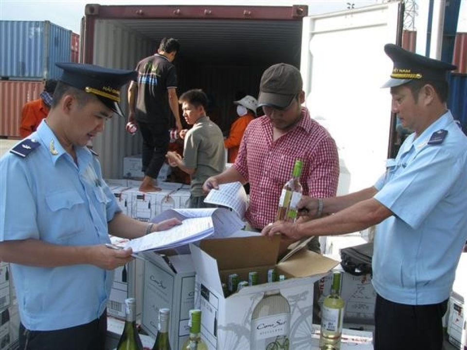 hcm city customs revises 300 export import enterprises to support