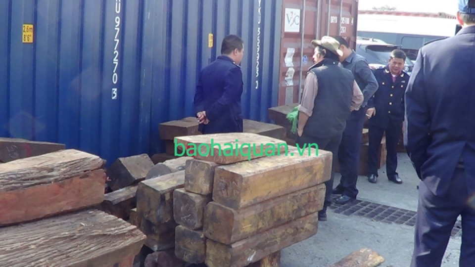 3 containers rice into precious wood