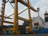the pilot transportation for transited goods among international seaports