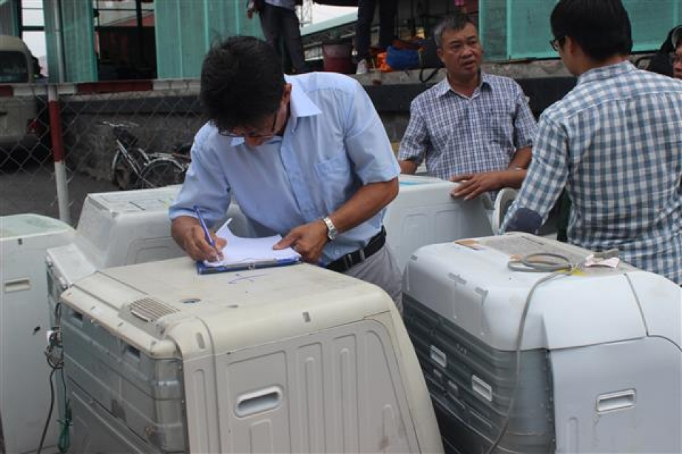 prosecuting a series of smuggling cases via cat lai port