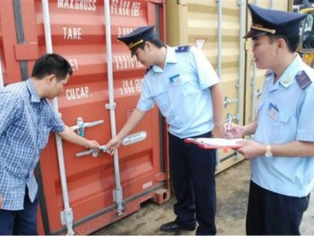 quang ninh customs closely manage goods stored in bonded warehouses
