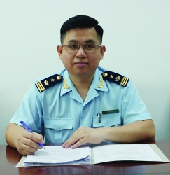 Hone skills for professional customs officers