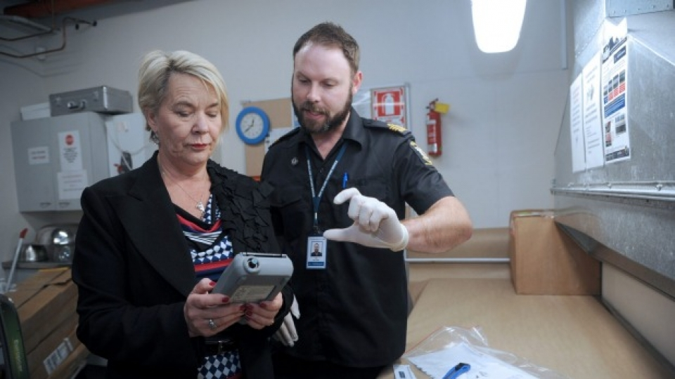 nelson gets new customs drug analysers