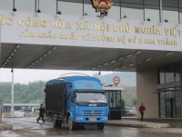 kim thanh border gate lao cai the customs clearance for agricultural and fishery products implemented until 10 oclock pm