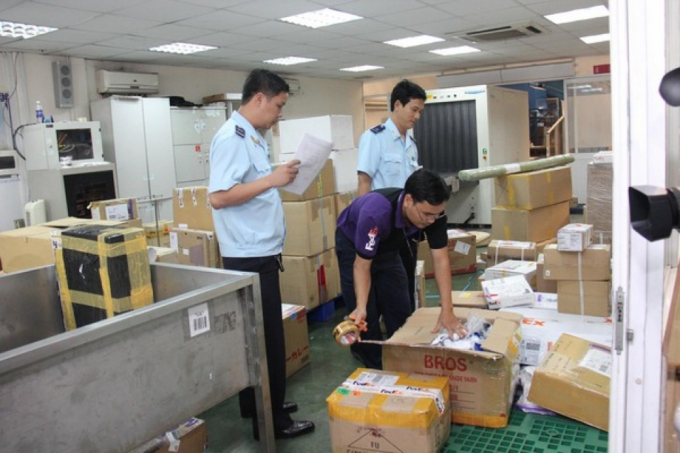 a foreigner suspected of establishing many companies for smuggling and tax fraud