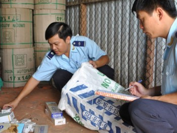 destroying cigarette and sugar smuggling gangs and rings