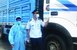 An Giang Customs: Clearing goods amid peak of pandemic