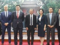 cooperation to promote potential of life insurance market in vietnam