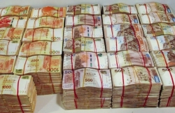 Customs smashes Hong Kong money-laundering ring accused of smuggling HK$166 million over world's longest sea crossing