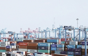 After the pandemic, many enterprises applying for receiving goods stuck at ports