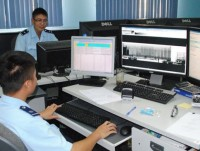 vietnam customs uses equipment and machinery to inspect imported and exported goods