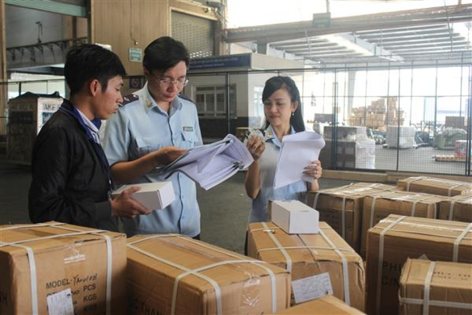 hcmc customs has to collect nearly 22 trillion in the last two months