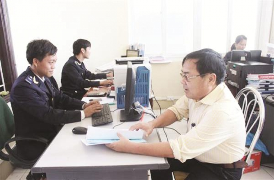 dong nai customs strictly monitors the management of materials processed and manufactured for export