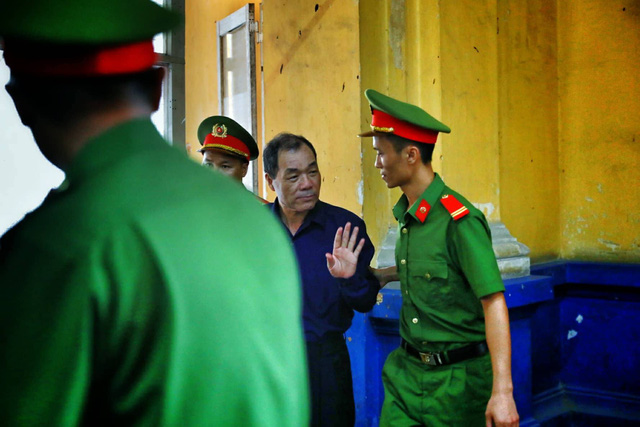 vietnamese bankers stand trial in 264mn fraud case tuoi tre news