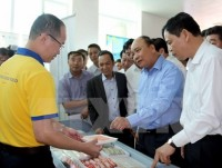 pm wants shrimp exports to reach us 10 billion by 2025
