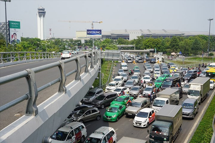 hanoi hcm city streets gridlocked as tet arrives