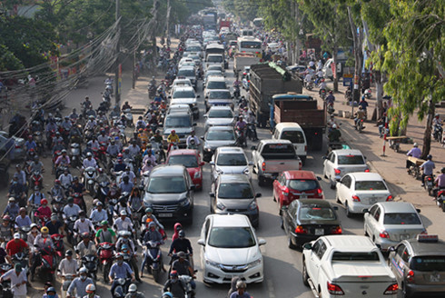indonesia tries to jump start car exports to vietnam
