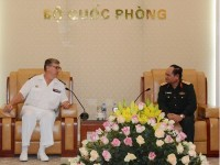 vietnam france forge defence ties