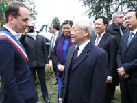 party leader nguyen phu trong begins official visit to france
