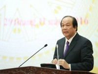 government gives priority to stabilising macro economy