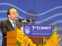 pm phuc underscores rational and sustainable use of water resources of mekong river