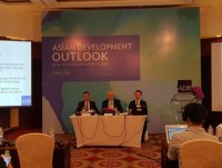 adb forecasts vietnams economy to grow 71 in 2018