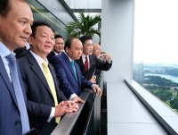 pm phuc calls for stronger partnership with singapore firms