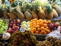 vietnams fruits struggle for ground in foreign markets