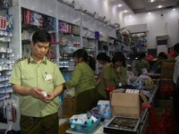 crackdown on counterfeit goods requires full effort of society