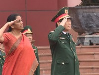 indian defence minister nirmala sitharaman welcomed in vietnam