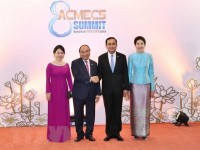 pm phuc meets thai and lao counterparts on fringes of acmecs 8