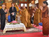 party leader packs busy schedule into day 2 of cambodia visit