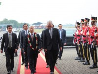 in photos party general secretary trong arrives in jarkata