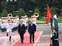 vietnam president rolls out red carpet for egypts abdel fattah el sisi