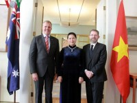 top legislator holds talks with australias parliamentary leaders