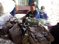 one more container containing fake goods worth 30 billion vnd was seized