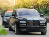 hai phong customs detected 2 rolls royce cars that are in the list of prohibited import goods