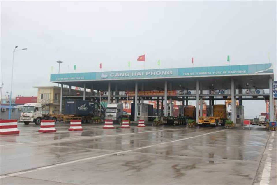 15 enterprises coordinate with customs to supervise in hai phong port
