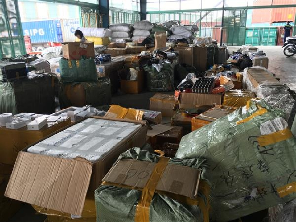 customs has prevented many chinese goods counterfeiting made in vietnam
