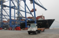 Hai Phong Customs cooperates to inspect the collection of seaport fees