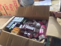 inspection and discovery a container of cosmetics importing illegally via cat lai port